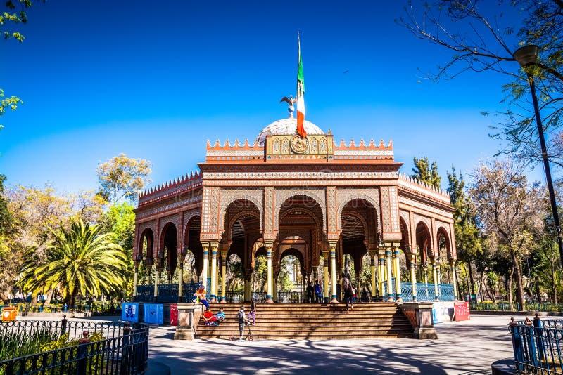 墨西哥城,墨西哥- 2019年1月25日 Kiosco Morisco -报亭结构在阿拉米达公园 免版税库存照片