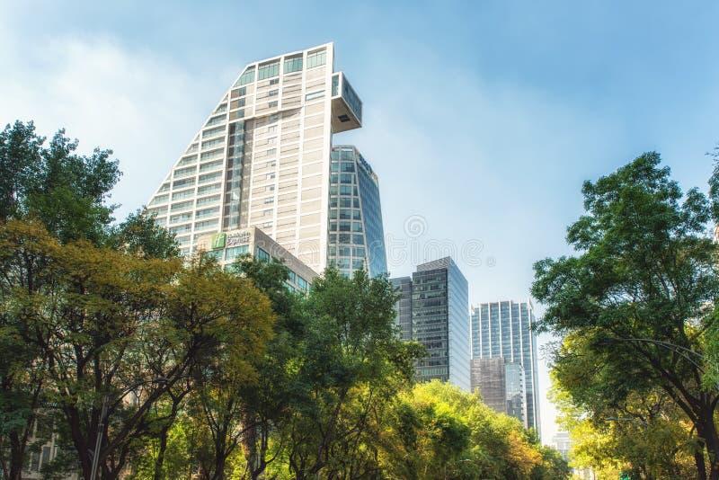 墨西哥城,墨西哥 Paseo的de la Reforma摩天大楼 免版税图库摄影