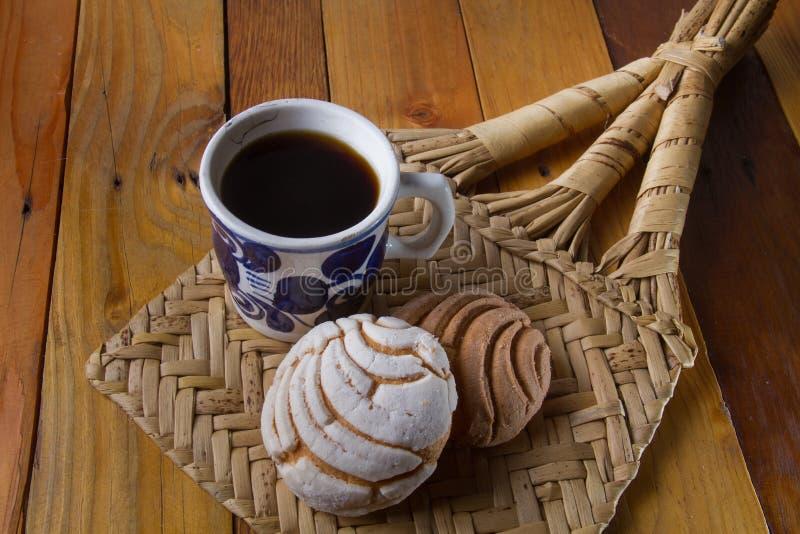 墨西哥甜面包和咖啡 免版税库存图片