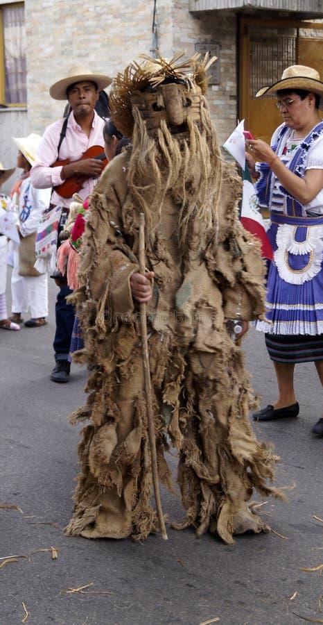 墨西哥舞蹈家语科库老人妖怪custome 免版税库存图片