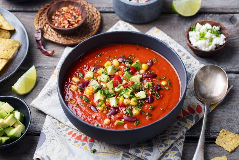 墨西哥蕃茄,豆,甜椒汤 免版税库存照片