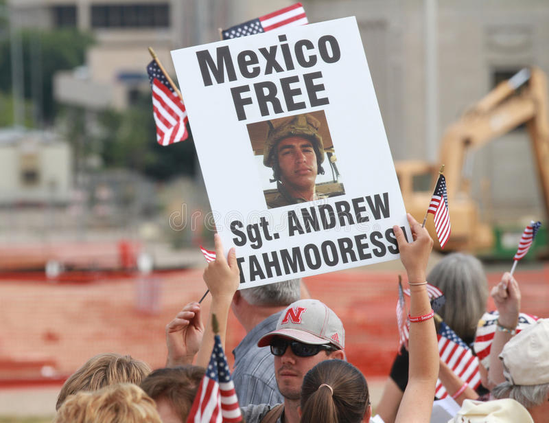 墨西哥释放Sgt 在集会的Tahmooressi标志保护我们的边界 免版税库存图片