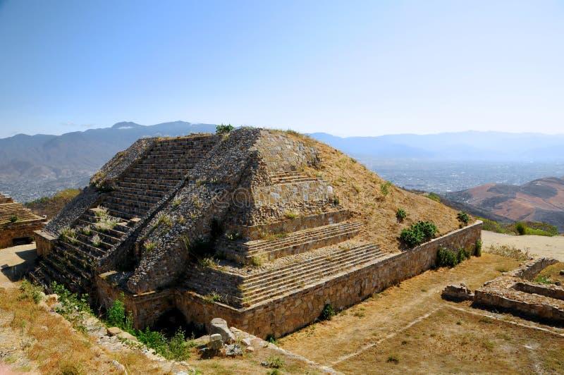 墨西哥金字塔废墟 免版税图库摄影