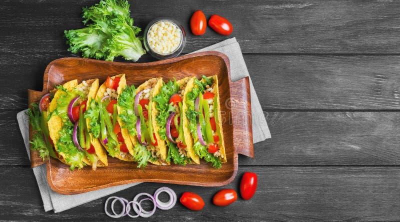 墨西哥食物炸玉米饼 免版税库存照片