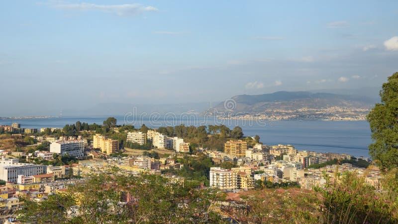 墨西拿全景西西里岛的 免版税库存照片