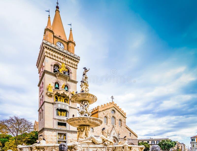 墨西拿,西西里岛,意大利大教堂和喷泉  免版税库存照片