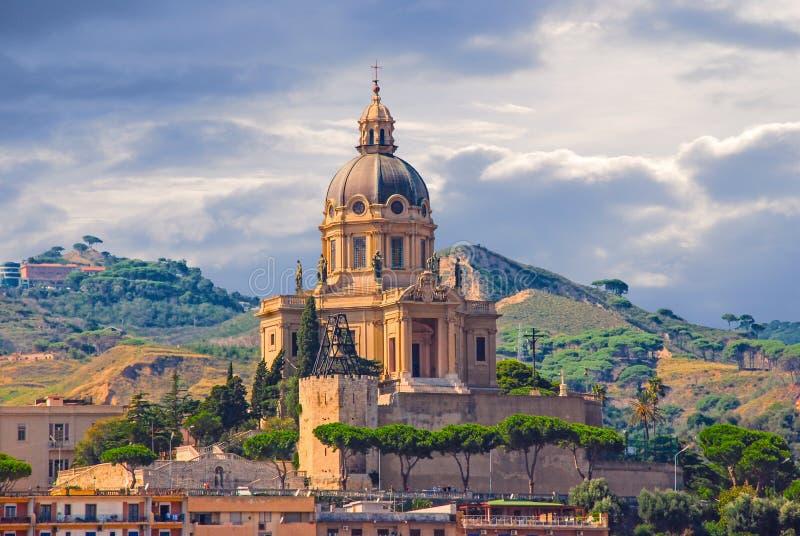墨西拿,西西里岛,意大利都市风景  库存图片