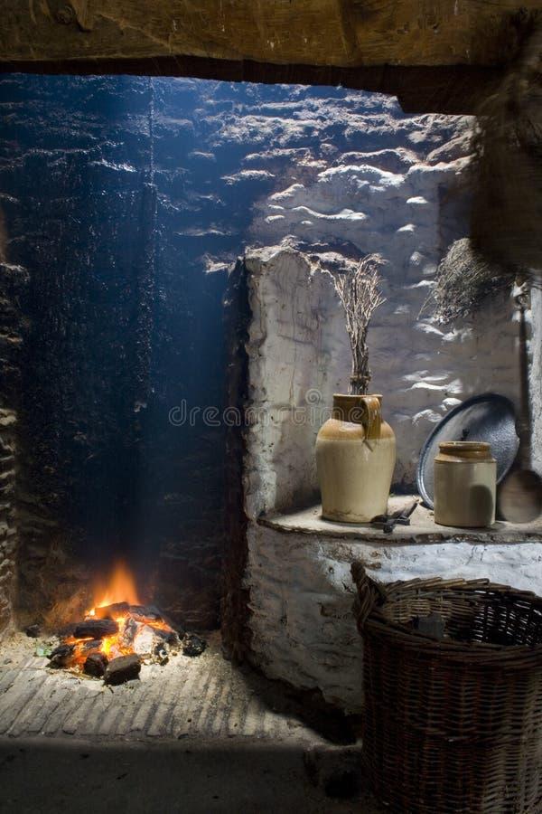 壁炉壁炉边爱尔兰老 免版税库存照片