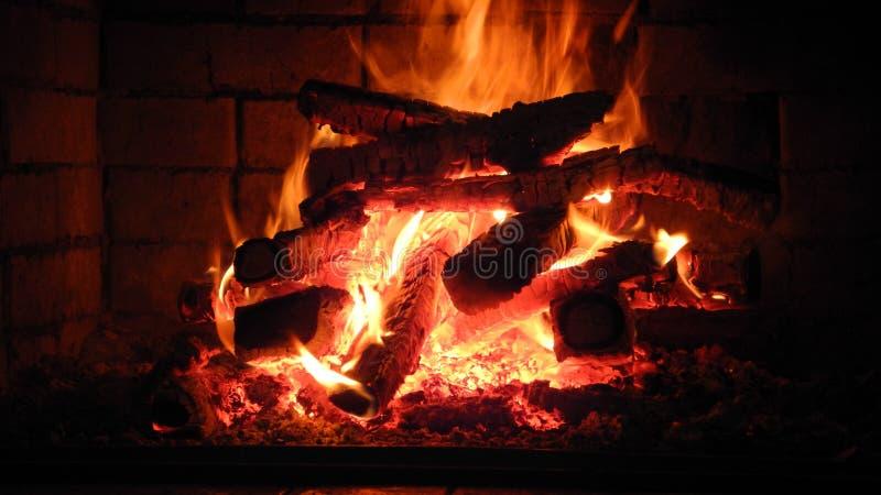 壁炉边和家 免版税库存图片