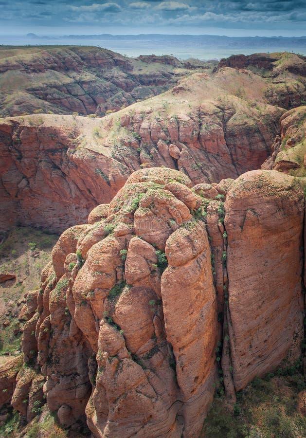 壮观和惊人的砂岩圆顶的鸟瞰图在入口的对拙劣的工作的针鼹峡谷搞糟 免版税库存照片