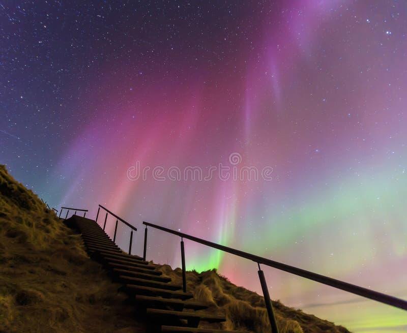 壮观的北极光在冰岛 库存照片
