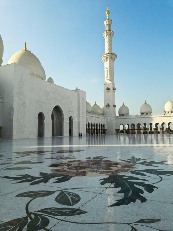 壮观的回教族长扎耶德Grand Mosque阿布扎比阿拉伯联合酋长国 库存照片