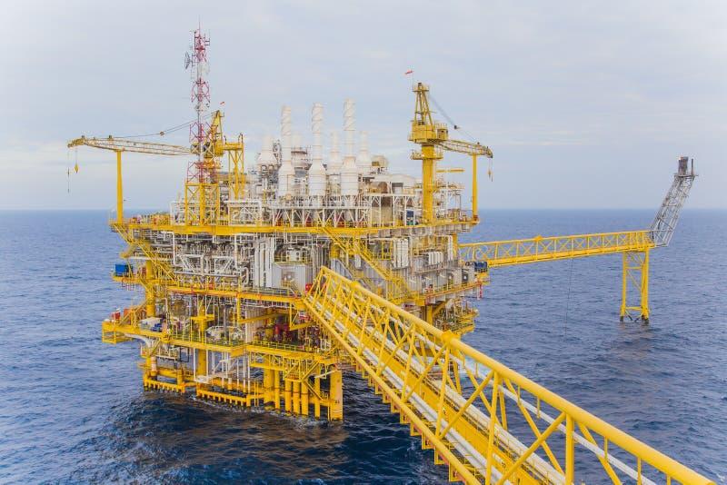 处理平台,世界能量的能量事务的油和煤气 免版税库存图片