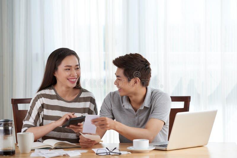 处理的家庭预算 免版税库存图片