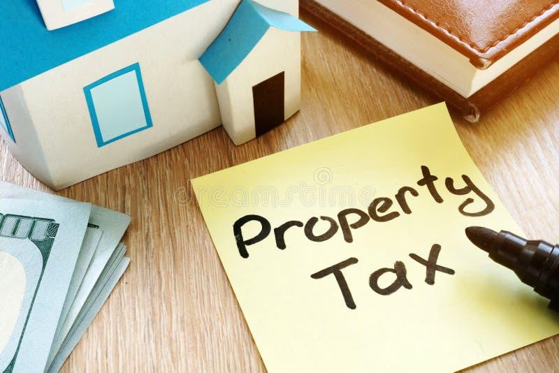 备忘录忠心于词房子财产税和模型  库存照片