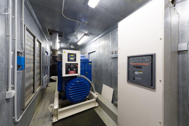 备用力量的控制室柴油发电器 库存图片