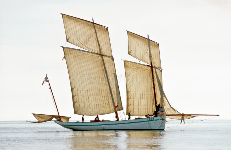 复制品历史的法国bisquie渔船 库存图片