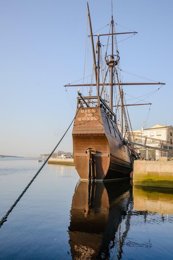 复制品帆船由葡萄牙人开发探索 库存图片