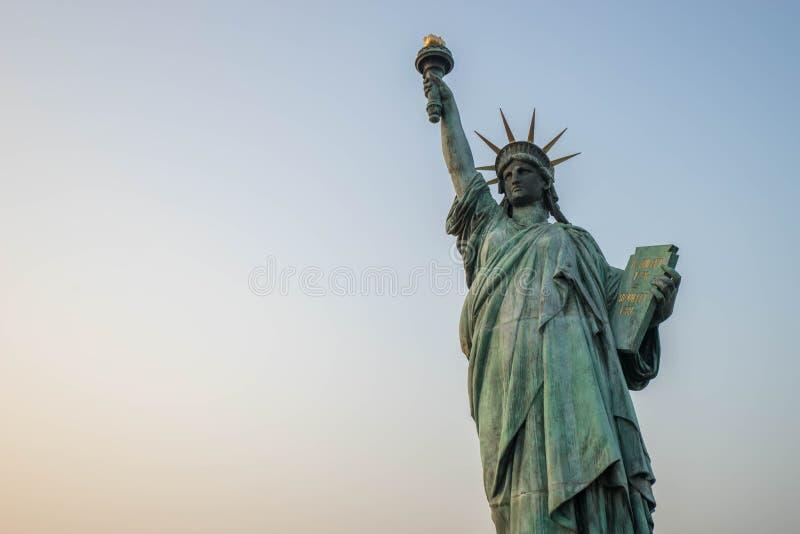复制品自由女神像在Odaiba 图库摄影