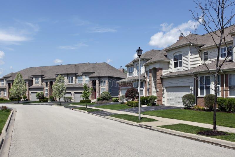 复杂邻里郊区连栋房屋 免版税图库摄影