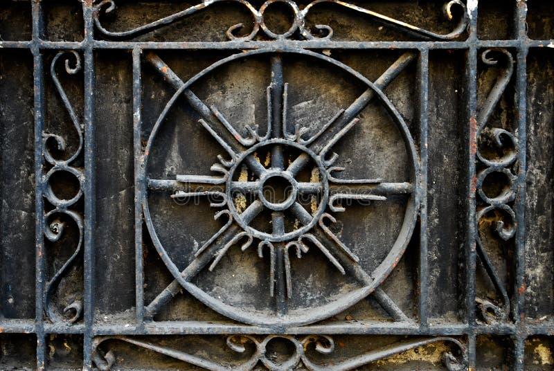 复杂锻铁金属栏杆或栏杆的支 免版税库存照片