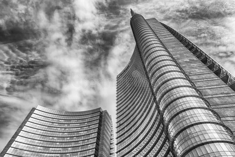 复杂Unicredit的塔,财政distric的偶象摩天大楼 库存照片