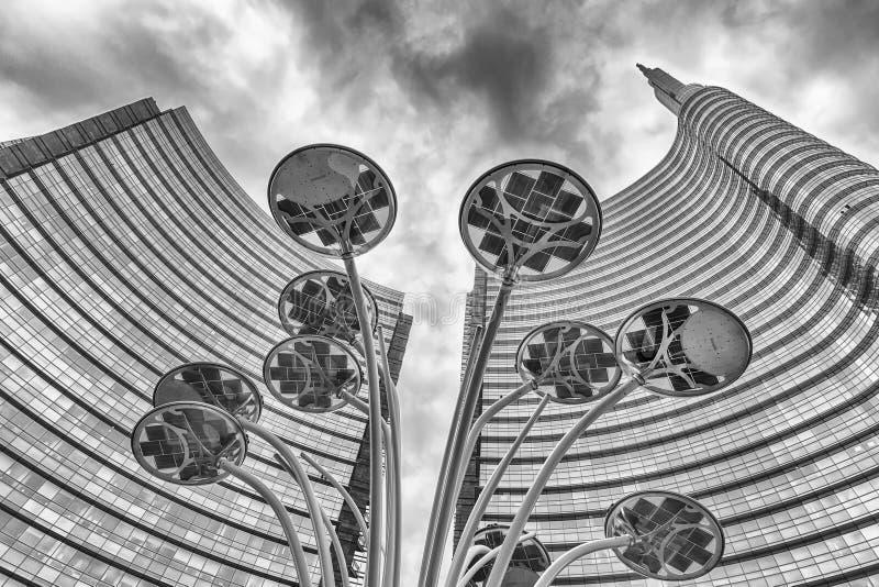 复杂Unicredit的塔,财政distric的偶象摩天大楼 库存图片