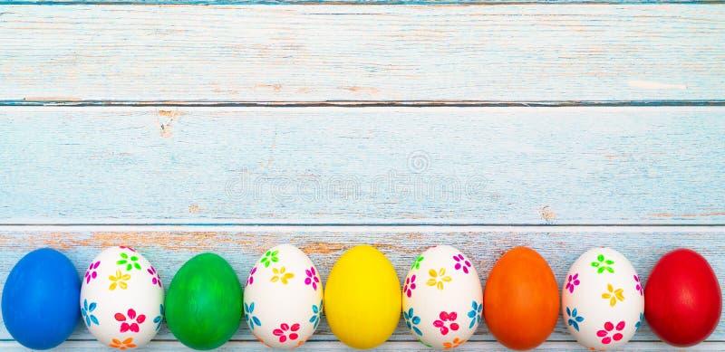 复活节彩蛋,愉快的复活节狩猎假日装饰 图库摄影