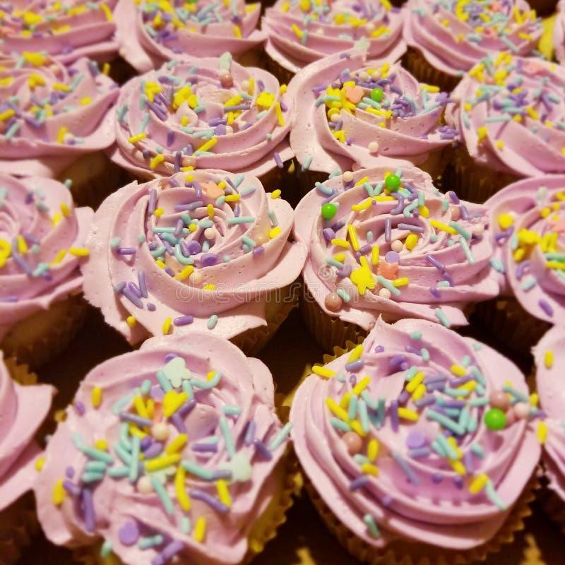 复活节杯形蛋糕 免版税库存照片