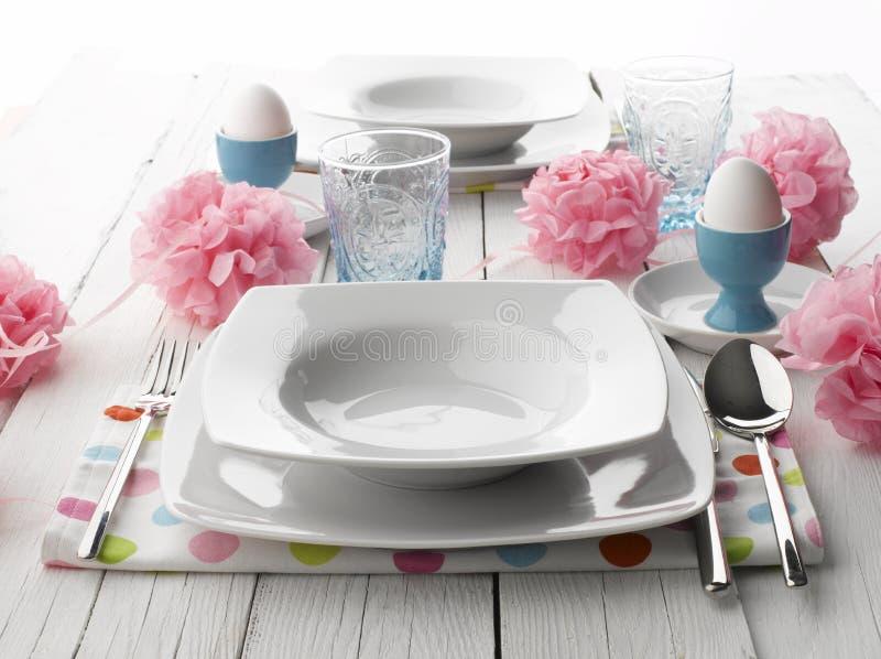 复活节正餐的餐位餐具 库存照片