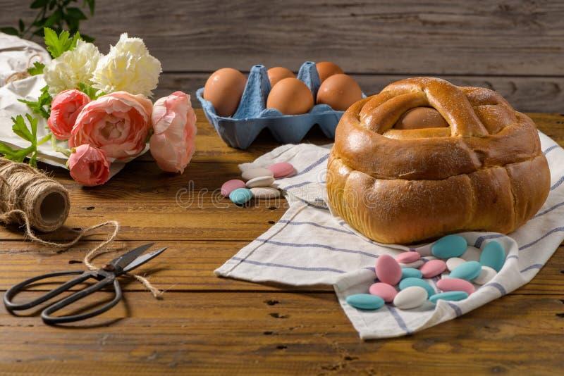 复活节folar用鸡蛋 免版税库存图片