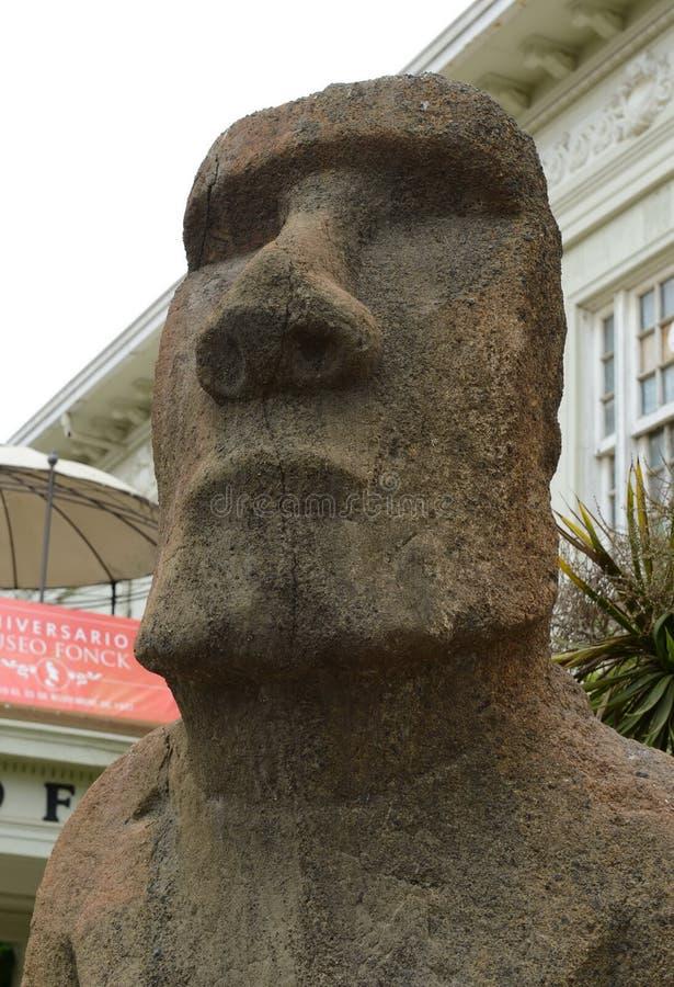 从复活节岛的石moai雕象在比尼亚德尔马 免版税库存图片