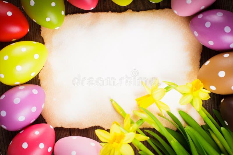 复活节彩蛋和卡片 库存照片