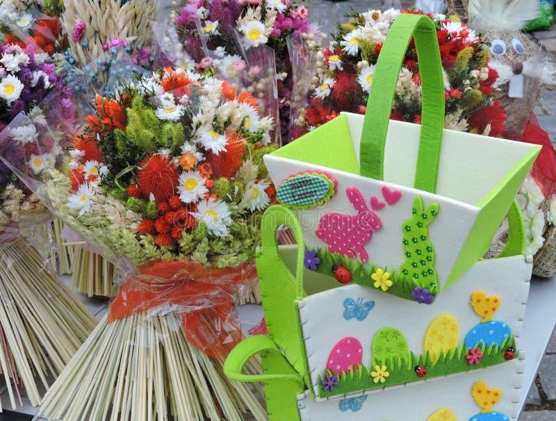 复活节棕榈和袋子,立陶宛 库存照片