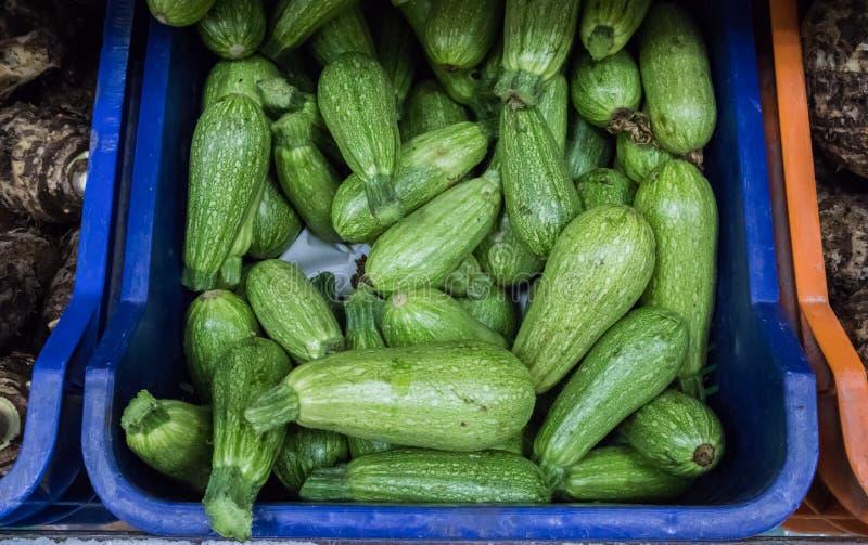 夏南瓜在超级市场上 免版税库存照片