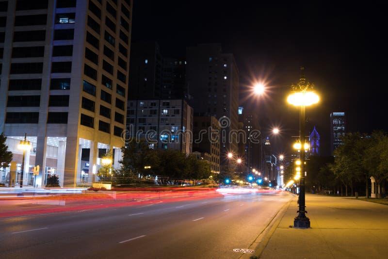 夏夜芝加哥街市街道光  图库摄影