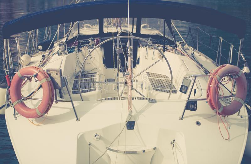 夏天乘快艇的时间 免版税图库摄影