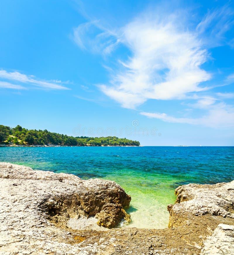 夏天亚得里亚海风景在克罗地亚 库存照片