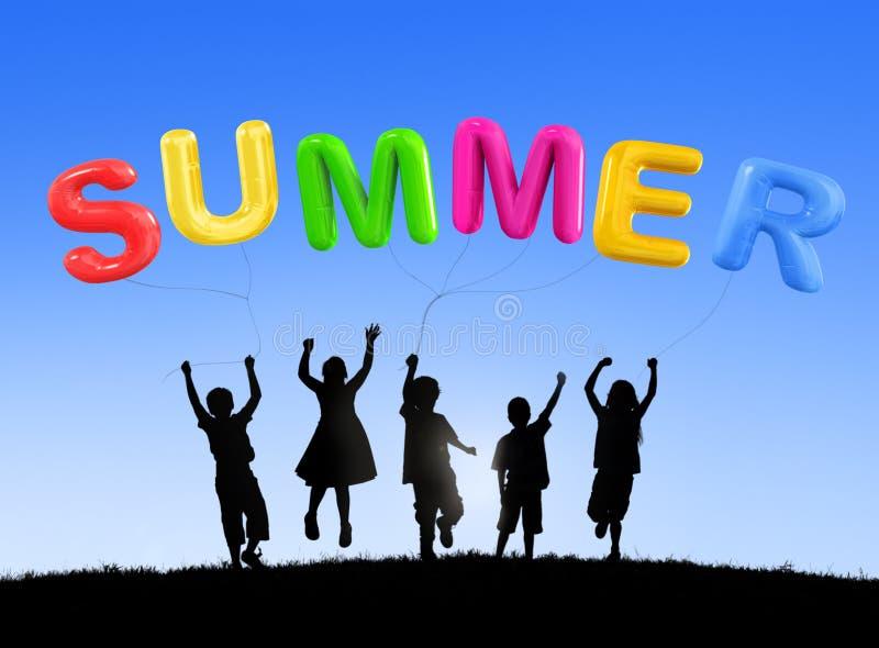 夏天享受乐趣旅途旅行阳光松弛概念 免版税图库摄影