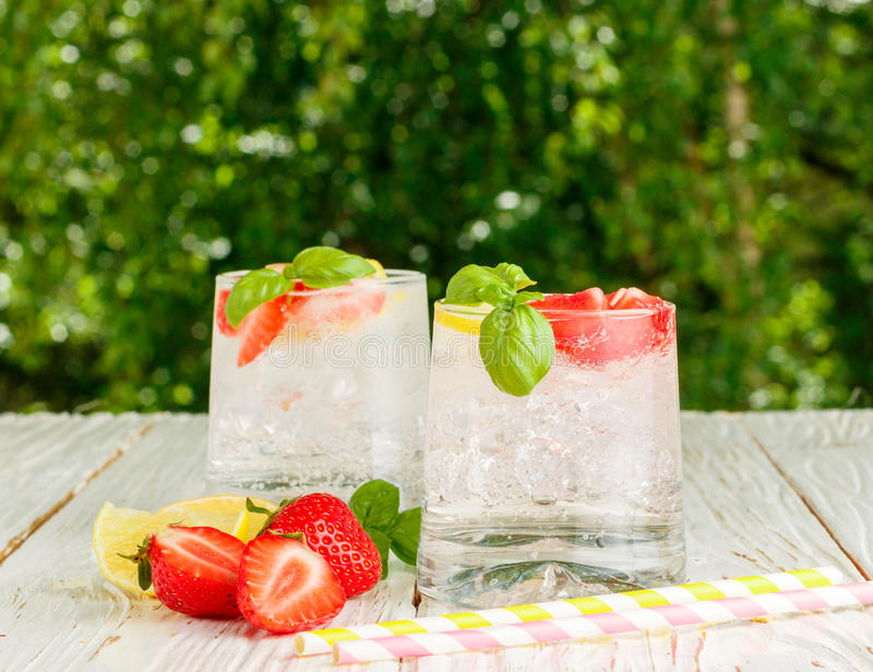 夏天刷新的柠檬水 免版税图库摄影