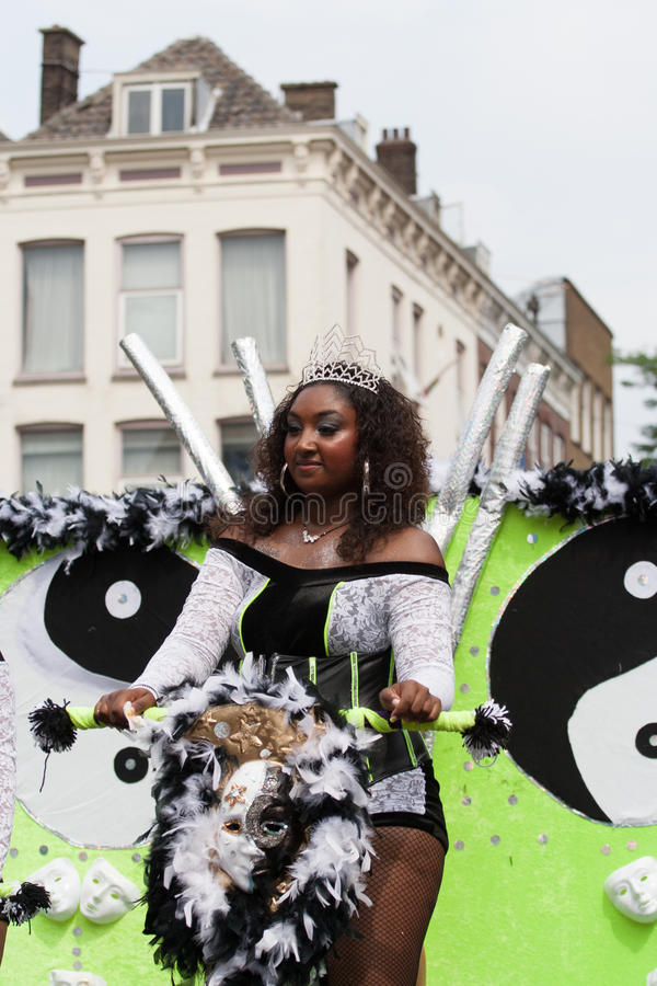 夏天狂欢节队伍的女孩2012年 免版税库存照片