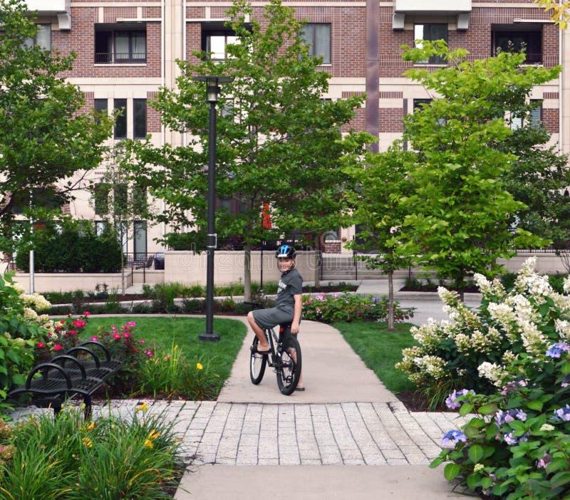 夏天自行车乘驾 免版税图库摄影