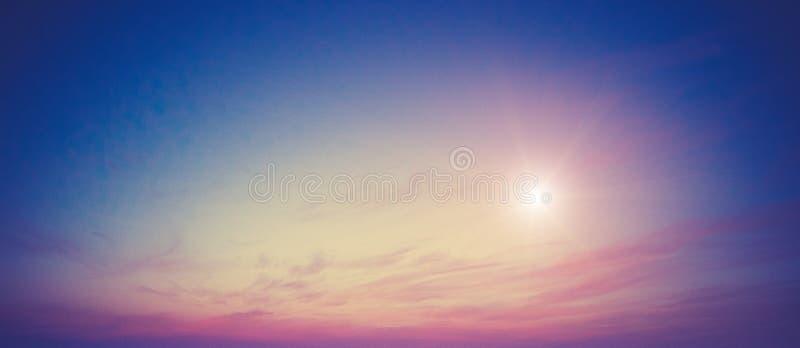 夏天颜色天空和云彩 免版税库存图片