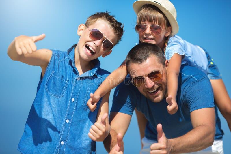 夏天,家庭,假期概念 免版税库存图片
