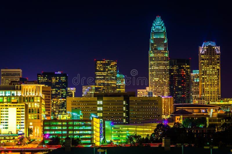 夏洛特地平线的看法在晚上,北卡罗来纳 免版税库存图片