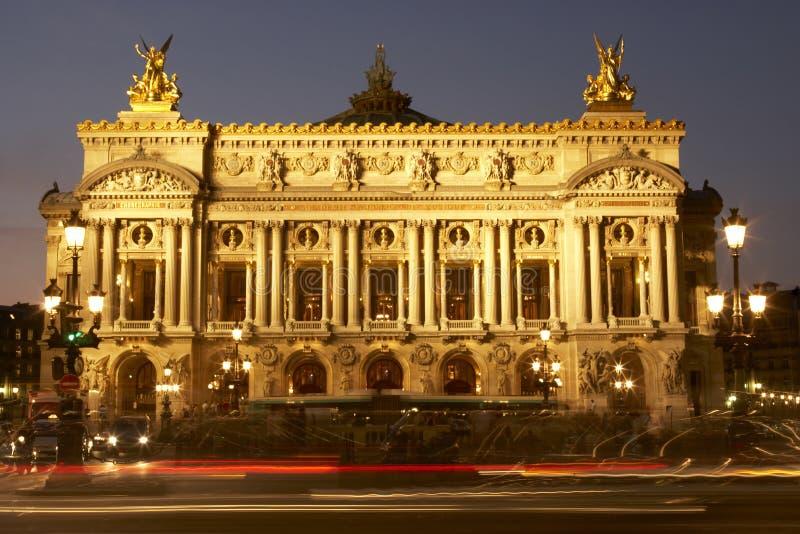 外部房子晚上歌剧巴黎 库存图片