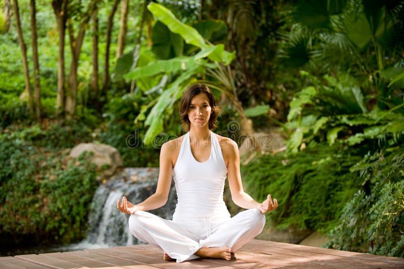 外面瑜伽 免版税库存照片