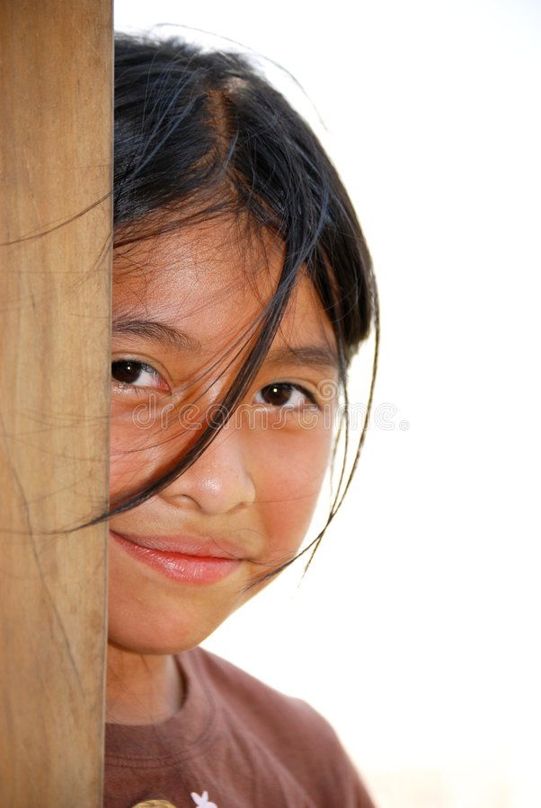 外面美丽的女孩讲西班牙语的美国人 免版税库存照片