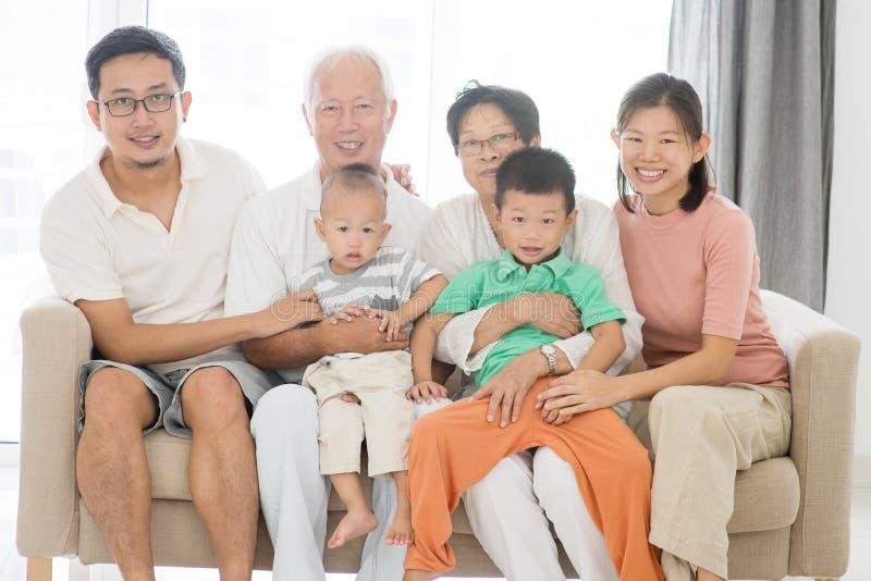 多世代家庭画象 库存照片