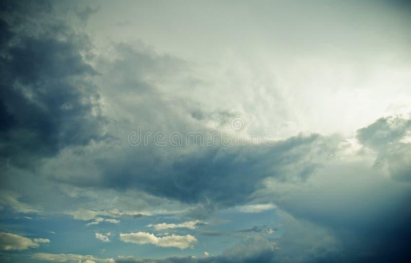 多云严重的天空 库存照片